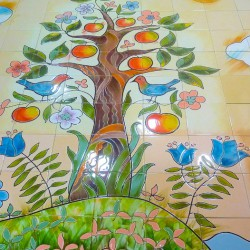 Панно керамическое- дерево