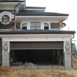 Дом с ирисами